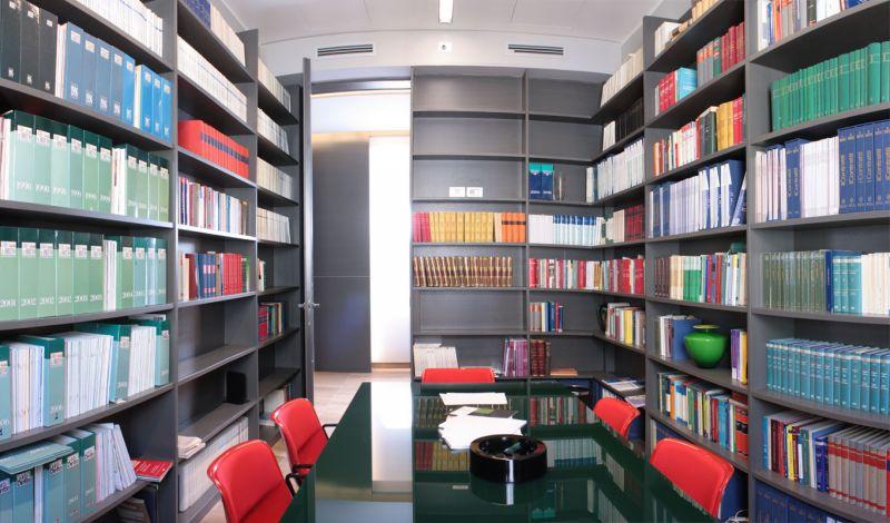 Arredamento uffici genova cengia for Arredamento uffici napoli